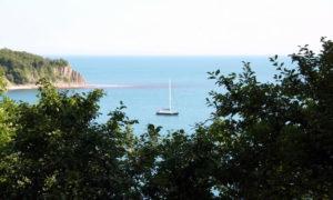 "Парусник - вид на бухту со стороны пансионата ""Ольгинка"""